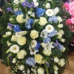 венок из живых цветов vj - 43